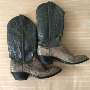 Ostrich Justin's Women's Cowboy Boots!